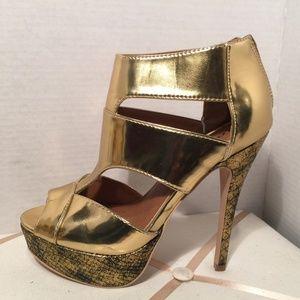 Shoe Dazzle Jamala Gold Platform Heels